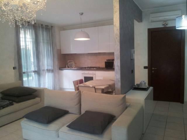Appartamento in vendita a Bussero, 4 locali, prezzo € 270.000 | CambioCasa.it