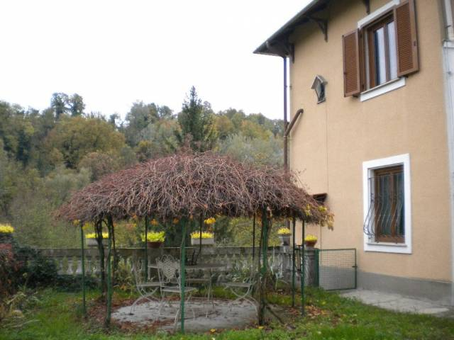 Villa in vendita a Cassine, 6 locali, prezzo € 164.800 | CambioCasa.it