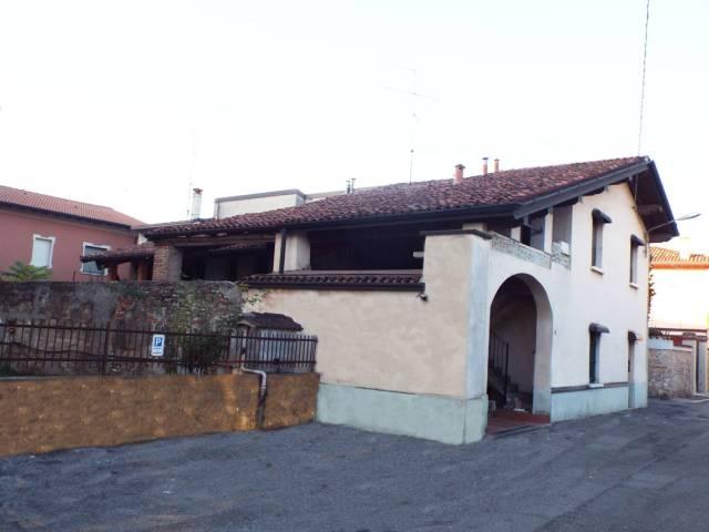 Rustico / Casale in vendita a Ghedi, 5 locali, prezzo € 70.000 | CambioCasa.it