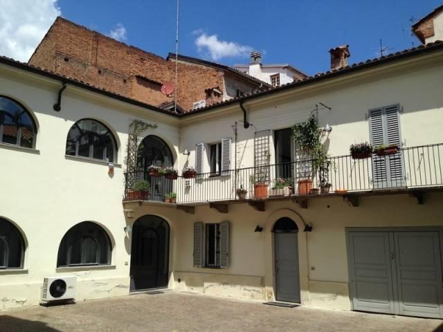 Appartamento in vendita a Alessandria, 6 locali, prezzo € 500.000 | CambioCasa.it