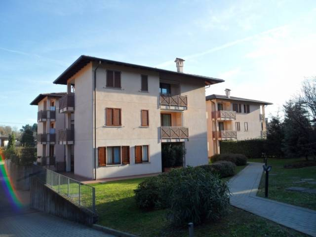 Appartamento in affitto a Inverigo, 3 locali, prezzo € 590 | CambioCasa.it