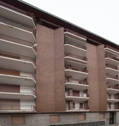 Appartamento in affitto a Varese, 4 locali, prezzo € 950   CambioCasa.it
