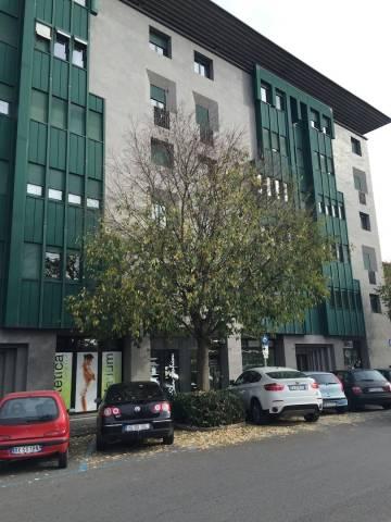 Negozio / Locale in vendita a Bergamo, 1 locali, prezzo € 220.000   CambioCasa.it