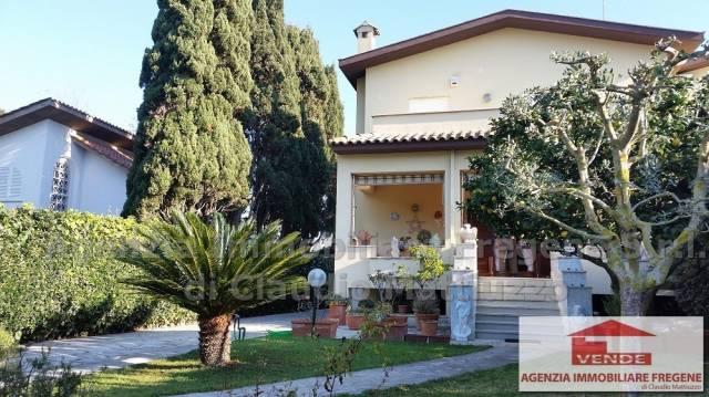 Villa in vendita a Fiumicino, 6 locali, prezzo € 550.000 | CambioCasa.it