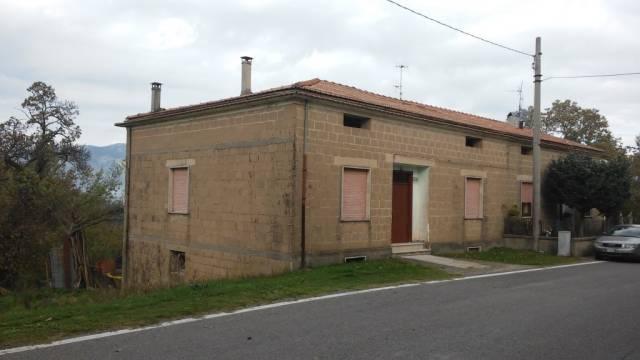 Soluzione Indipendente in vendita a Conca della Campania, 6 locali, prezzo € 98.000 | CambioCasa.it