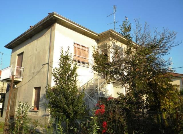 Villa in vendita a Cavaria con Premezzo, 5 locali, prezzo € 299.000 | CambioCasa.it