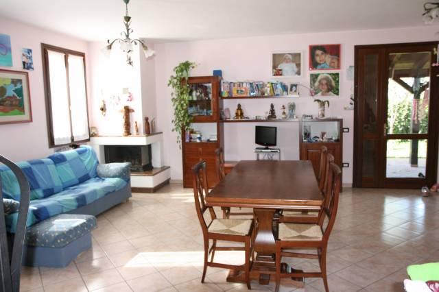 Villa a Schiera in vendita a San Prospero, 6 locali, prezzo € 215.000   CambioCasa.it