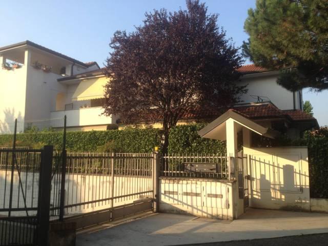Appartamento in vendita a Camparada, 3 locali, prezzo € 198.000   CambioCasa.it