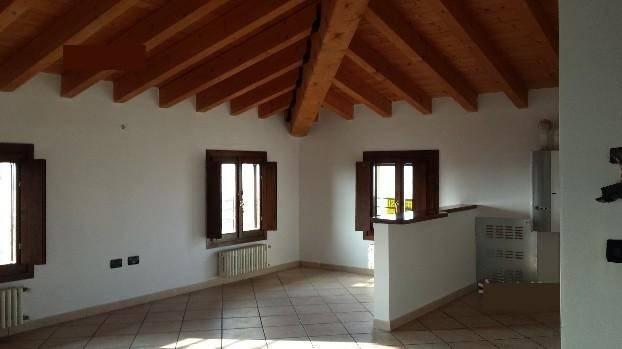 Appartamento in affitto a Rodigo, 2 locali, prezzo € 360 | CambioCasa.it