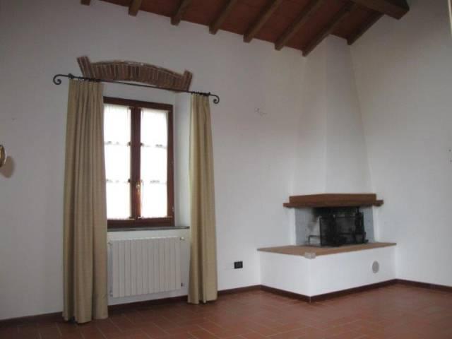Appartamento in affitto a Serravalle Pistoiese, 6 locali, prezzo € 700 | CambioCasa.it