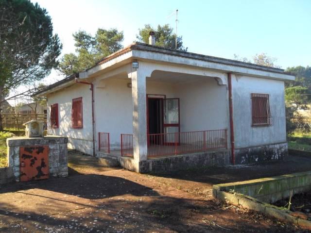 Villa in vendita a Taranto, 3 locali, prezzo € 32.500 | CambioCasa.it