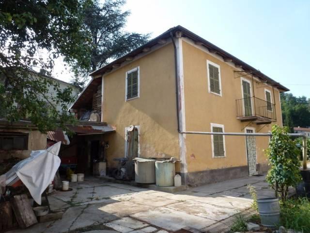 Rustico / Casale in vendita a Clavesana, 6 locali, prezzo € 85.000   CambioCasa.it