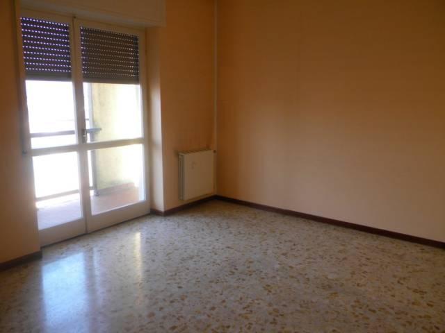 Appartamento in affitto a Solbiate Olona, 2 locali, prezzo € 550 | CambioCasa.it