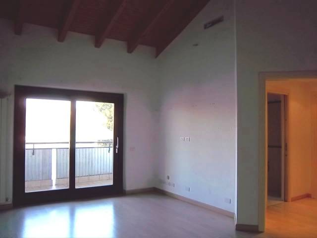 Appartamento in affitto a Olgiate Olona, 3 locali, prezzo € 550 | CambioCasa.it
