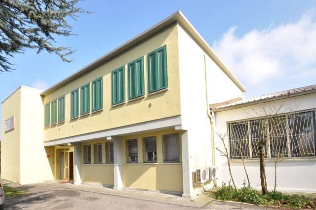 Ufficio / Studio in affitto a Voghiera, 6 locali, prezzo € 1.333 | CambioCasa.it