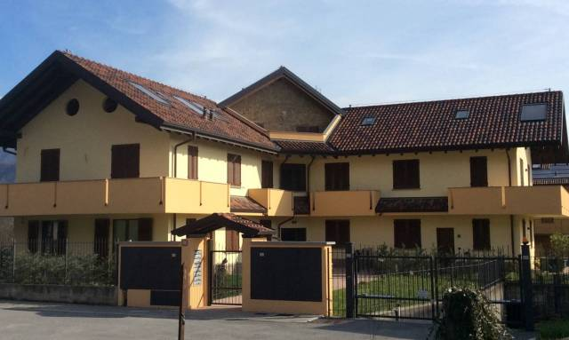 Appartamento in vendita a Airuno, 3 locali, prezzo € 102.000 | CambioCasa.it