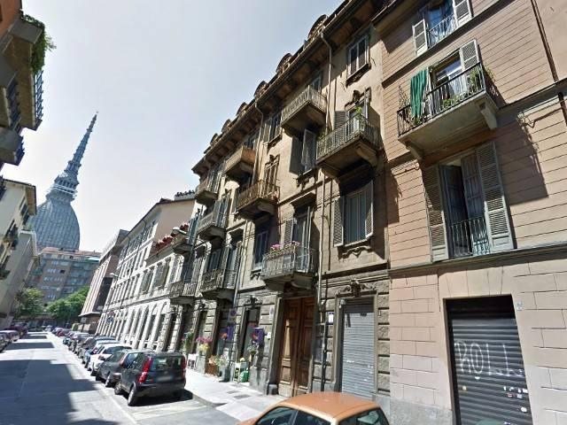 Laboratorio in vendita a Torino, 5 locali, zona Zona: 11 . Regio Parco, Vanchiglia, Lungo Po, Vanchiglietta, prezzo € 45.000 | CambioCasa.it