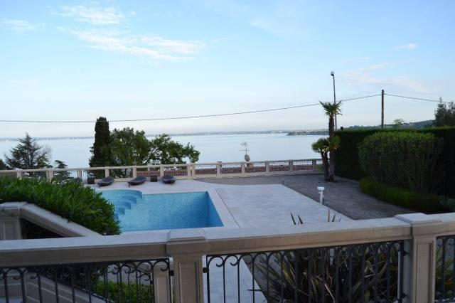 Villa in vendita a Padenghe sul Garda, 4 locali, Trattative riservate | CambioCasa.it