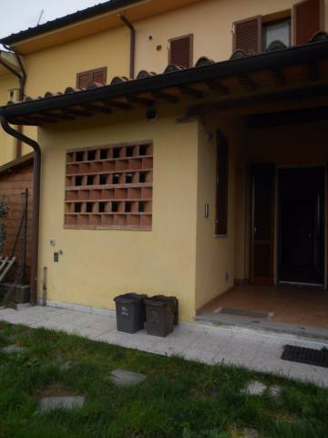 Rustico / Casale in affitto a Calcinaia, 9999 locali, prezzo € 500 | CambioCasa.it
