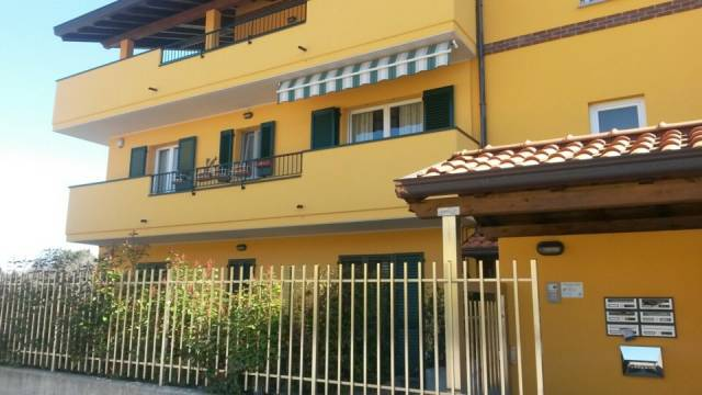 Attico / Mansarda in vendita a Cardano al Campo, 4 locali, prezzo € 475.000 | CambioCasa.it