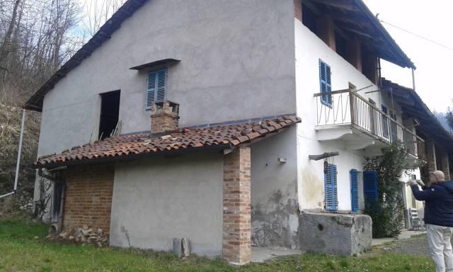 Rustico / Casale in vendita a Moncucco Torinese, 5 locali, prezzo € 165.000 | CambioCasa.it