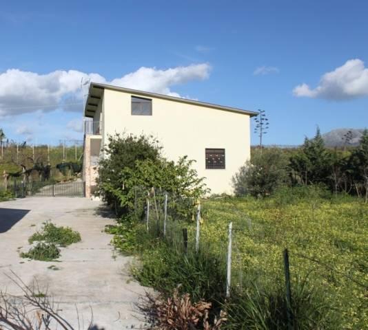 Villa in vendita a Partinico, 2 locali, prezzo € 120.000 | CambioCasa.it