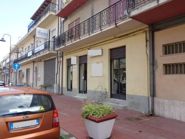 Negozio / Locale in vendita a Marina di Gioiosa Ionica, 3 locali, Trattative riservate | CambioCasa.it