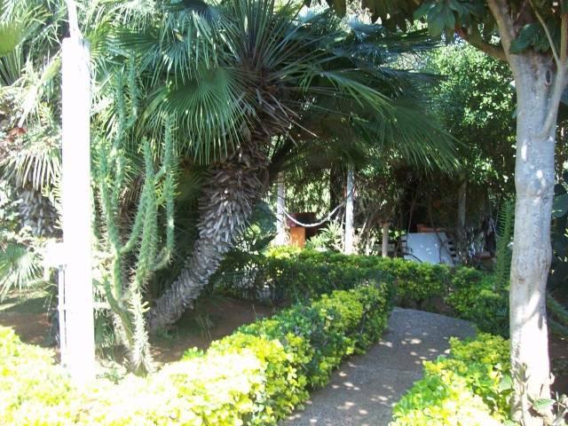 Villa in vendita a Ladispoli, 6 locali, Trattative riservate | CambioCasa.it