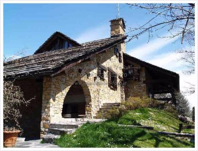 Villa in vendita a Druogno, 5 locali, prezzo € 630.000 | CambioCasa.it