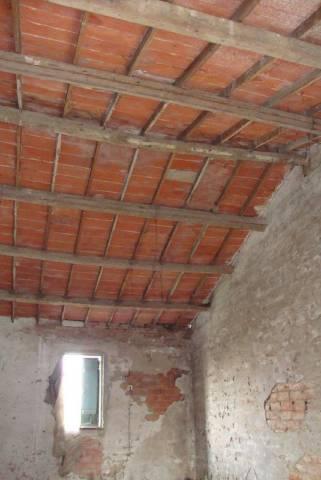 Soluzione Indipendente in vendita a Isola della Scala, 4 locali, prezzo € 40.000 | CambioCasa.it