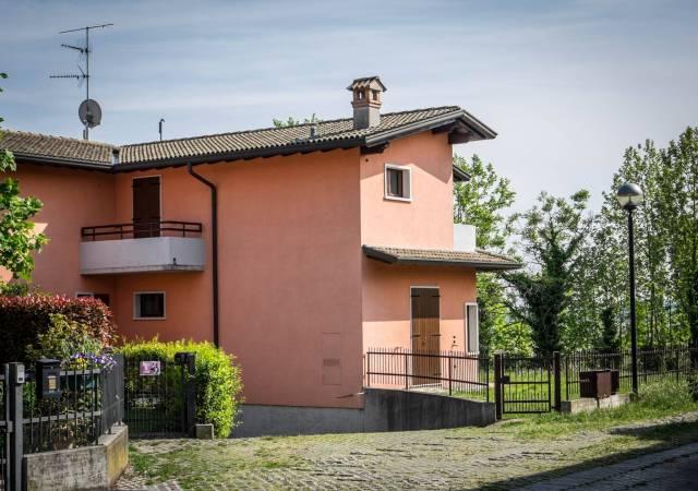 Villa in vendita a Pozzolengo, 5 locali, prezzo € 295.000 | CambioCasa.it