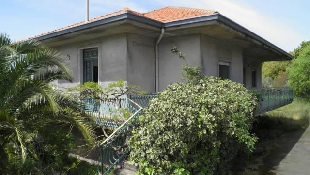 Villa in vendita a Ragalna, 4 locali, prezzo € 285.000 | CambioCasa.it