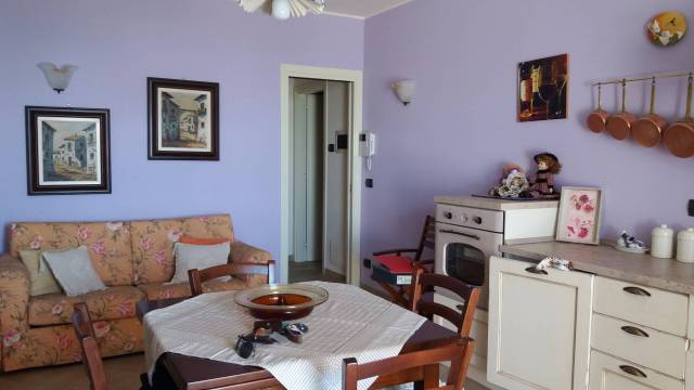Appartamento in vendita a Govone, 2 locali, prezzo € 120.000   CambioCasa.it