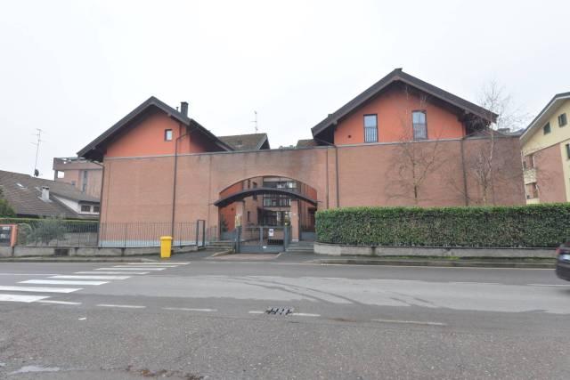 Appartamento in vendita a Saronno, 3 locali, prezzo € 200.000 | CambioCasa.it