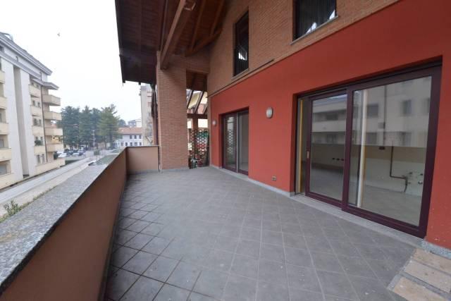 Appartamento in vendita a Saronno, 2 locali, prezzo € 200.000 | CambioCasa.it