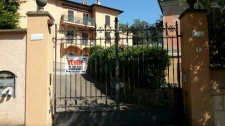 Villa in vendita a Ariccia, 6 locali, prezzo € 940.000 | CambioCasa.it