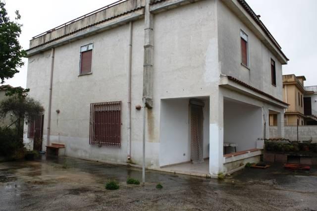 Villa in vendita a Partinico, 4 locali, prezzo € 100.000 | CambioCasa.it