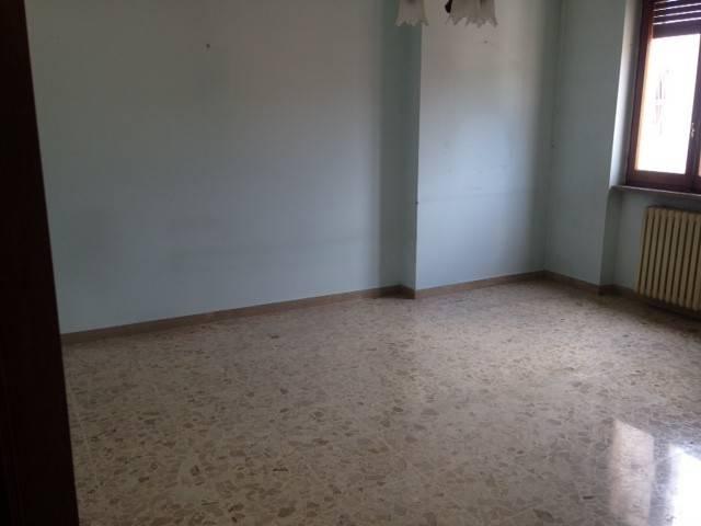 Appartamento in vendita a Avezzano, 4 locali, prezzo € 77.000 | CambioCasa.it