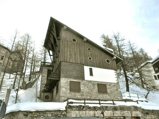 Appartamento in vendita a Valtournenche, 4 locali, prezzo € 350.000   CambioCasa.it