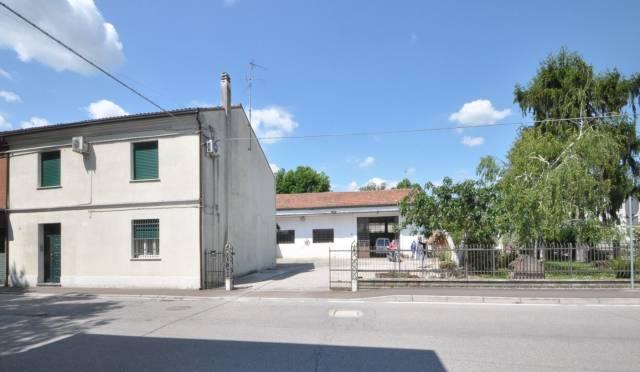 Villa in vendita a Portomaggiore, 6 locali, prezzo € 150.000 | CambioCasa.it