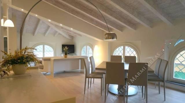 Attico / Mansarda in affitto a Forte dei Marmi, 5 locali, prezzo € 10.000 | CambioCasa.it