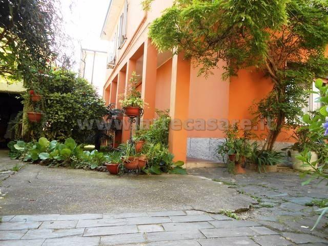 Villa in vendita a Canegrate, 6 locali, prezzo € 300.000 | CambioCasa.it