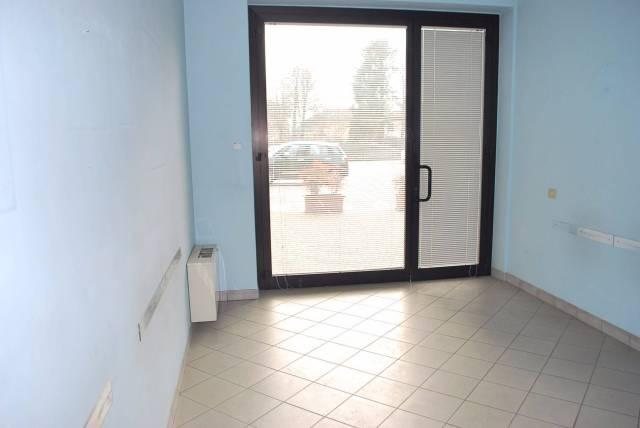 Ufficio / Studio in affitto a Alba, 3 locali, prezzo € 700 | CambioCasa.it