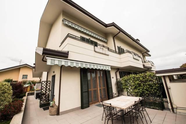 Appartamento in vendita a Parabiago, 3 locali, prezzo € 178.000 | CambioCasa.it