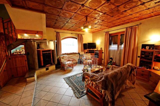 Villa in vendita a Mese, 6 locali, prezzo € 350.000 | CambioCasa.it