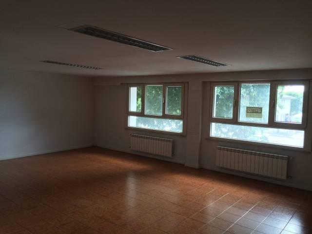 Ufficio / Studio in vendita a Bagnolo San Vito, 3 locali, prezzo € 60.000 | CambioCasa.it