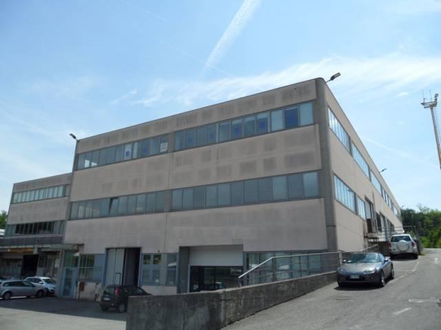 Capannone in vendita a Cantù, 3 locali, prezzo € 247.000 | CambioCasa.it