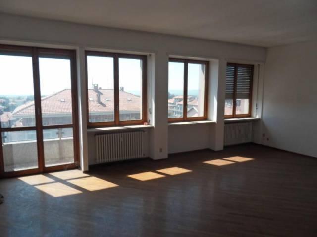 Appartamento in affitto a Biella, 4 locali, prezzo € 680 | CambioCasa.it