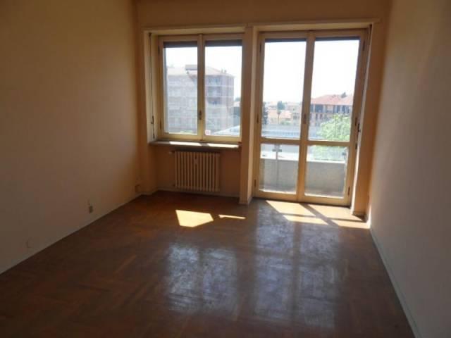 Appartamento in affitto a Biella, 2 locali, prezzo € 355 | CambioCasa.it