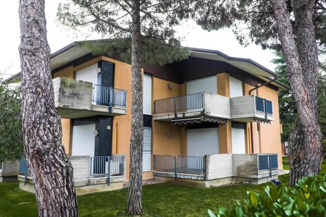 Appartamento in vendita a Sirmione, 3 locali, prezzo € 225.000 | CambioCasa.it